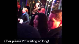 "Cher signing autographs at ""Burlesque"" Premiere In Berlin (16.12.2010)"