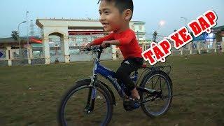 Bé DƯƠNG tập xe đạp người lớn❤Kênh Em Bé