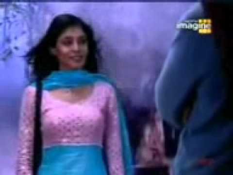 Kitni Mohabbat Hai Song (female).3gp video