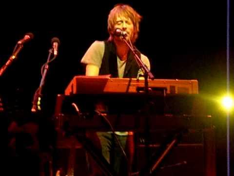 Thom Yorke-Harrowdown Hill-Cambridge Corn Exchange-25.02.10