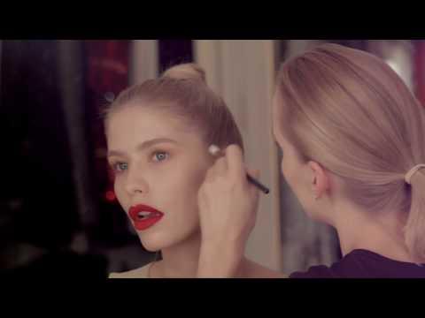 Глюкоза красит модель Лену Перминову / Секреты макияжа для блондинок / Красные губы