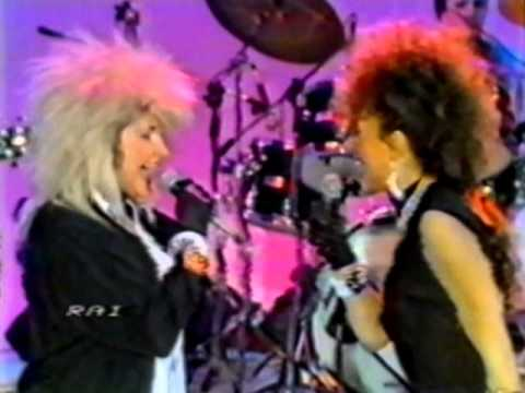Loredana Bertè & Aida Cooper – Sisters are doin' it for themselves (live@ Italia Sera 1986)