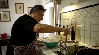 Sicily: Why Anthony Bourdain is on the lookout for a grandma (Parts Unknown, Italy)