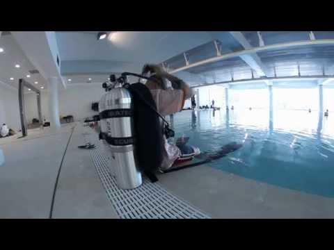 La piscina più profonda del mondo? Misura 40 metri, ha le caverne... ed è italiana