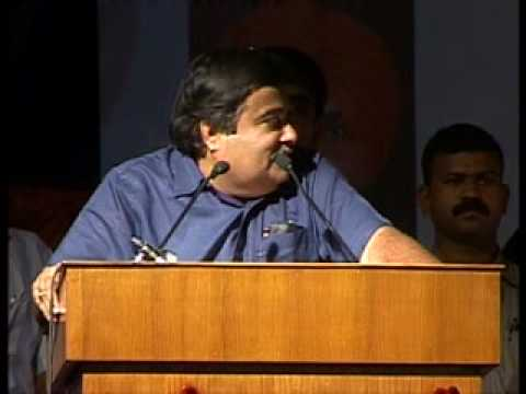 gadkari calls mulayam laloo dogs licking sonia feet.wmv