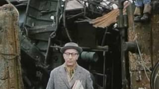 Un fil à la patte (2005) - Official Trailer