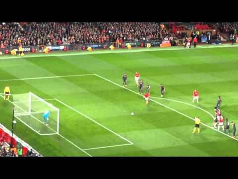 Robin Van Persie penalty vs Olympiakos (Manchester United 3 - 0 Olympiakos - 3-2 Agg)