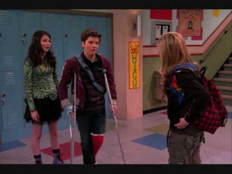 "Pics from the  60th iCarly episode ""iSaved Your Life"" Extended Edition!"