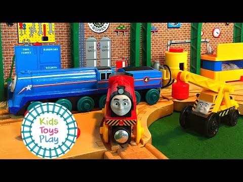 Thomas and Friends Wooden Railway Halloween Special | Shooting Star and the Halloween Costume Parade