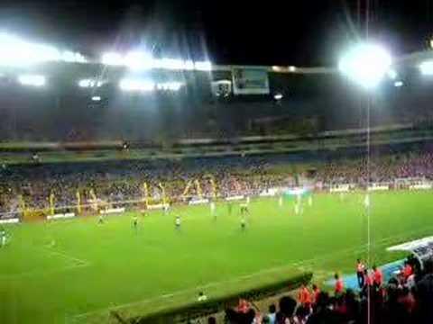 Sale Chava Reyes Chivas vs Pumas Clausura 2008
