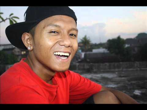 Lagu Daerah Manggarai  dere Benggong.(hiphop Version) video