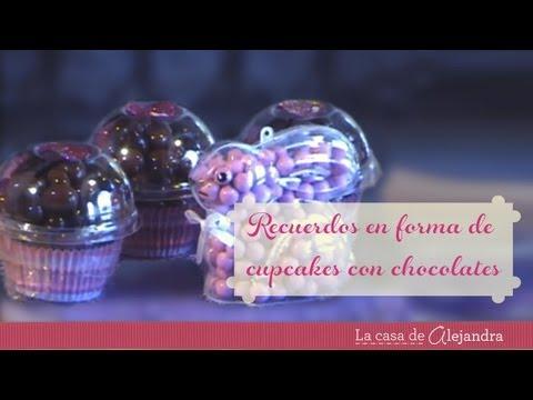 Cómo hacer unos recuerdos en forma de cupcakes con chocolates 03:28