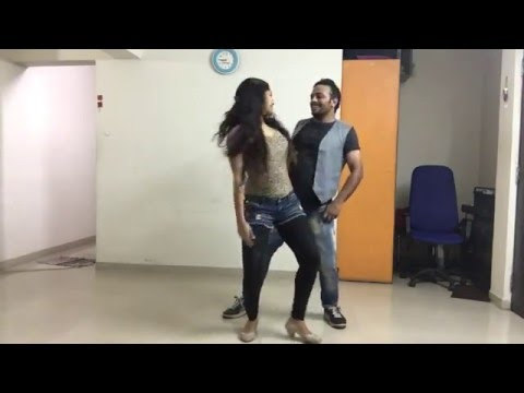 Romantic Couple Dance On Dheere Dheere Se By Yo Yo Honey Singh