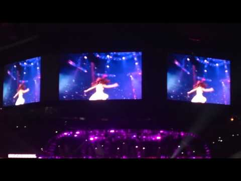 Selena Gomez - Who Says Live 03 09 14 (houston Rodeo) video