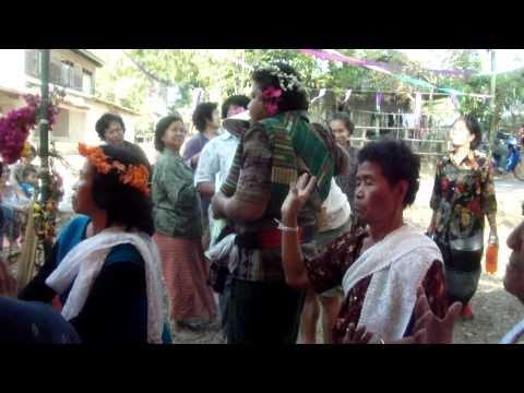 ลงผีหมอที่เวินพระบาท ท่าอุเทน นครพนม , Ghost Feast in WernPraBaht Nakhonphanom  2