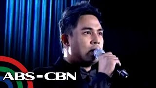 Jed Madela sings at