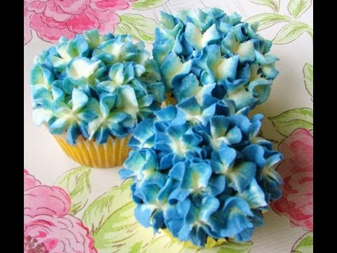 How to make a BUTTERCREAM HYDRANGEA CUPCAKE