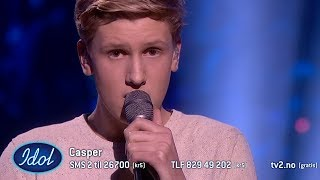 Casper rører dommerne til tårer med sin sang dedikert til bestemoren | Idol Norge 2018