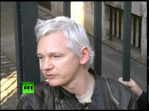 Occupy Assange: 'Corrupt banks, corrupt cash'