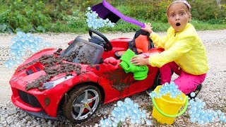 Sofia Pretend Play with Car Wash for Children and  with Cleaning Toys!