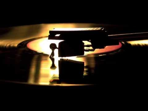 Soprano Lily Pons ~ Estrellita (1974)
