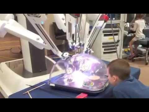 Surgical Robot Da Vinci Xi at UMC