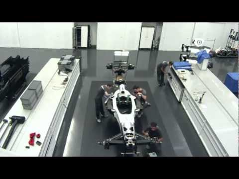 Time lapse: Preparation of race cars for overseas transport - Sauber F1 Team