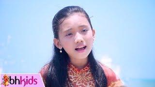 Gần Lắm Trường Sa Ơi - Bé Phương Anh [MV 2017]