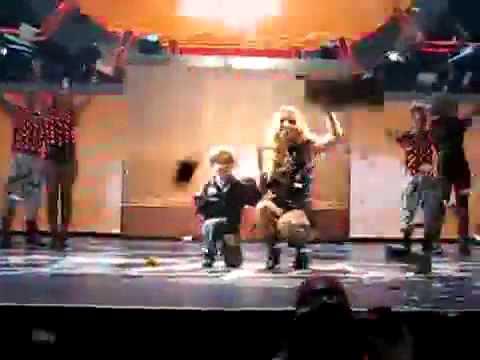 Jayden James with mommy Britney on stage (September 30_ Budapest).avi