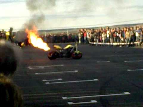 torradas moto quemandose.mp4