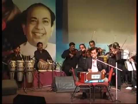 Jagjit Singh remembering Mahendra Kapoor by Chalo ik bar fir...