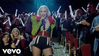 Under The Christmas Lights Live From Gwen Stefani S You Make It Feel Like Christmas