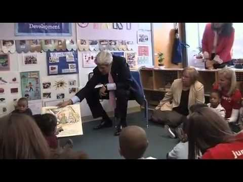 Senator Kerry Visits ABCD South End Head Start
