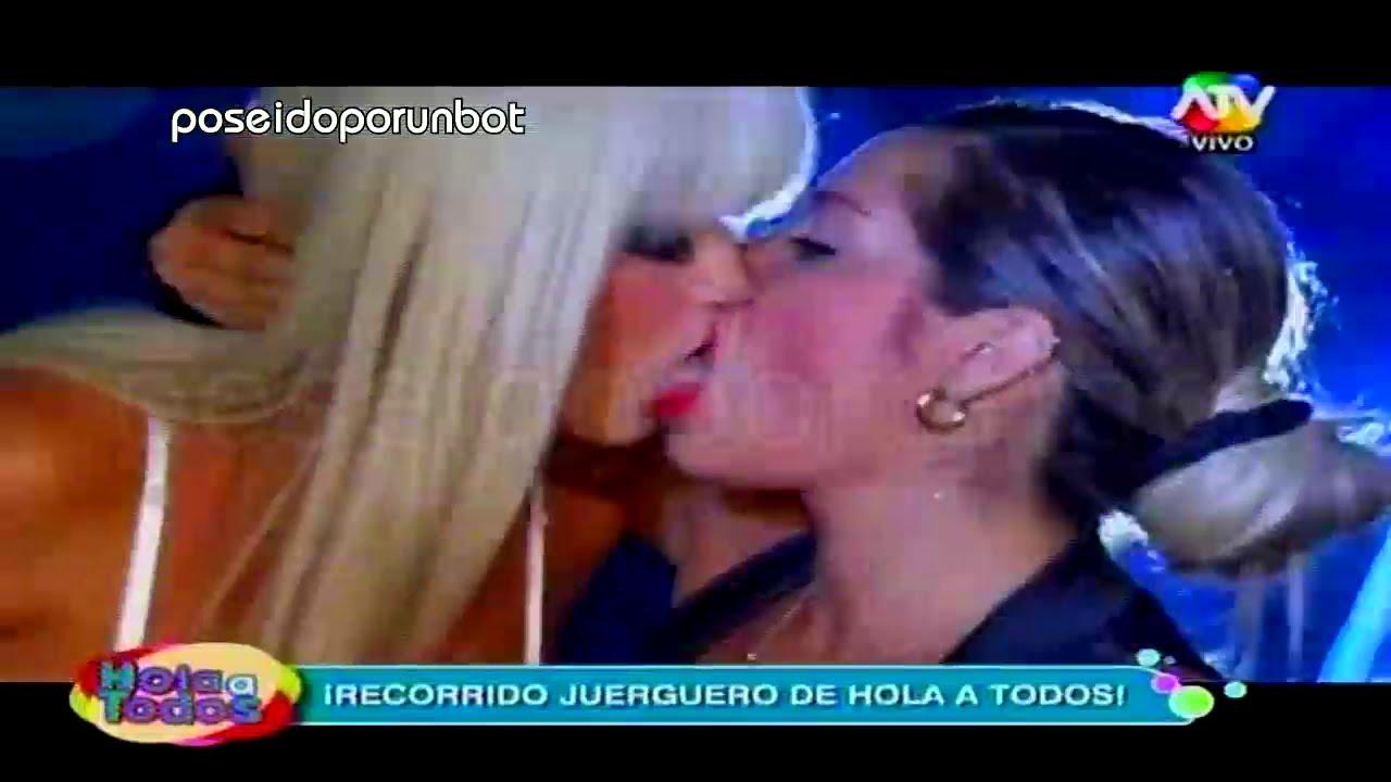 videos de chicas besandose: