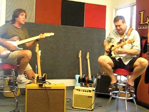 Carl Verheyen and Steve Trovato jamming in the Lounge Killerbalken at LsL Instruments