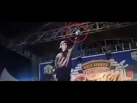 YOUNG LEX Ngamuk Dilempari Botol Saat Manggung Di serang banten