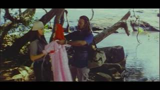 Thanthiran Tamil Movie Songs - Shwetha Menon Romantic Song