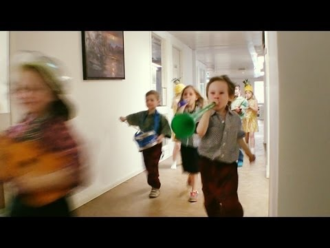 UNICEF - 68 Swedish kids turn an office into chaos