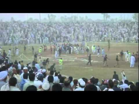 Mandan Park Bannu..live fight in kabaddi match 5-11-2011