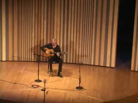 Oscar Herrero live at the Ibero-American Guitar Festival