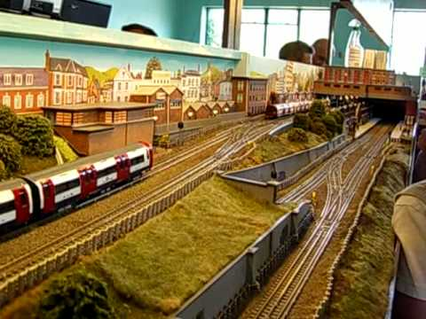 London+underground+tube+train+00+gauge+model efe oo scale th Museum acton depot model trains and pushing Use on or any links