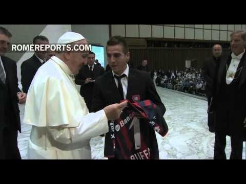 """El Papa recibe a los """"campeones de América"""""""