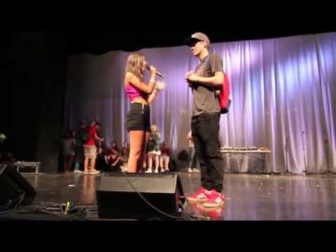 Jenna Rose & Sammy Wilkinson Together on stage Life of the Party puts bracelet on my hand