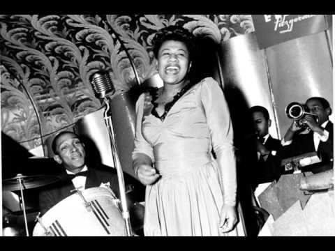 Ella Fitzgerald - Santa Claus Got Stuck in My Chimney