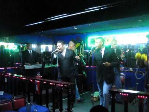 Orquesta la Revelacin en el Saln Tropicana