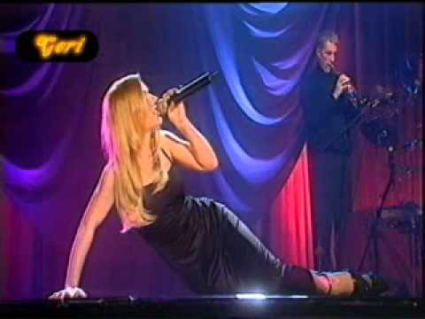 Geri Halliwell - Goodnight Kiss (Live Much Music - Color Version).mp4