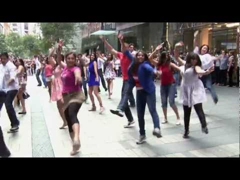 Kolaveri Di Sydney Flash Mob - 10th Feb 2012 Pitt St Mall -...