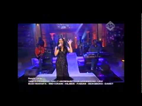 Agnes Monica Feat Anggun Cipta Sasmi video