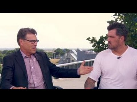 Marcus Lutrell, Rick Perry talk RNC appearance