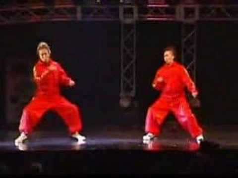 Dupla de dançarinos de hip-hop!